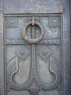 Так выглядит дверь в морской собор